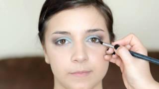 Maquillage turquoise et bronze pour un bal de graduation Thumbnail