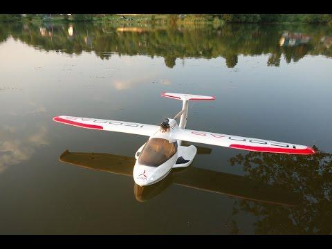 Бывший конструктор BMW создал самолет-амфибию ICON A5