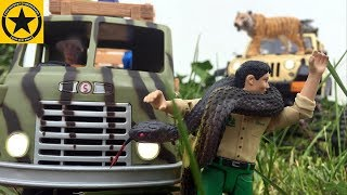 BRUDER Toys SAFARI JEEPS ♦ Tiger Tamer and King Cobra ATTACK ♦ Schleich Tiere + Playmobil Film