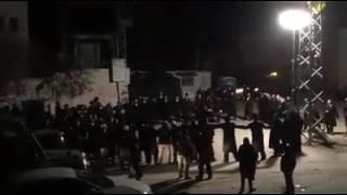 بالفيديو: مستوطنون يقتحمون بلدة فلسطينية ويؤدون طقوساً تلمودية