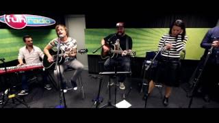 IMT Smile feat. Katarína Knechtová & Peter Bič - Nepoznám (live@Funradio)