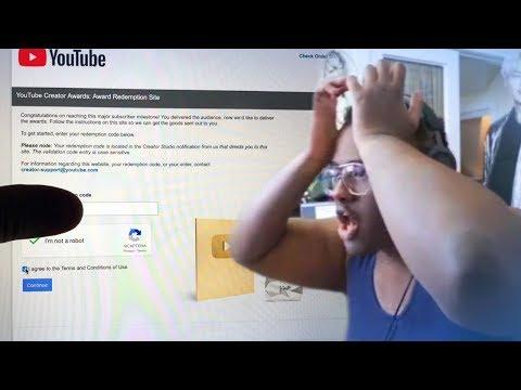 Как у Блогера украли Золотую Кнопку Ютуб во время стрима / Фейл