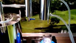 Производство дистиллированной воды с помощью самогонного аппарата(Как оказалось, купить дистиллированную воду с хорошей степенью очистки не так то просто, поэтому пришлось..., 2016-02-20T11:09:54.000Z)