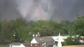 Tuscaloosa Tornado - 15th St Area - 042711 - 3.wmv thumbnail