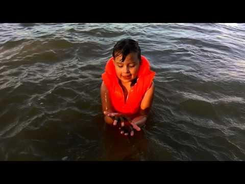 Детский жилет для плавания красный