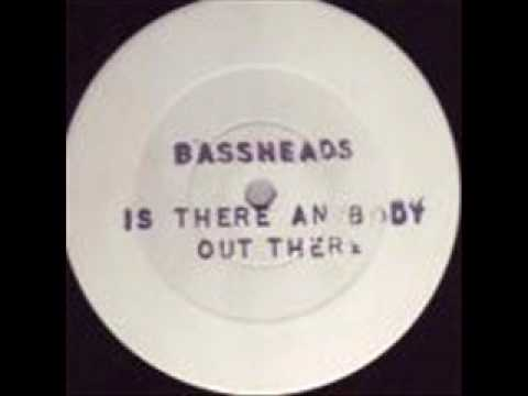 Bassheads Is there anybody out there original white label with banned samples