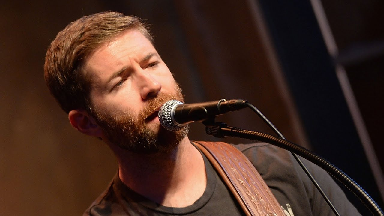 Josh Turner's sound engineer David Turner identified as victim in fatal bus crash