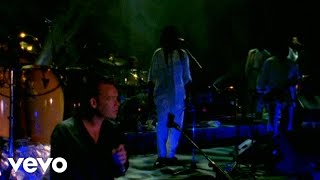 UB40 - (I Can't Help) Falling in Love With You (Live In The New South Africa)