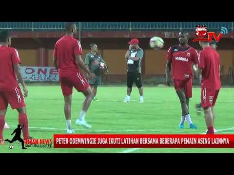 Lama Absen Karena Cidera Peter Odemwingie Serius Latihan Jelang Hadapi Borneo FC