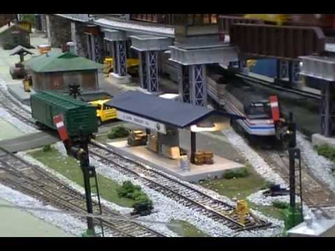 S SCALE MODEL RAILROAD LAYOUT