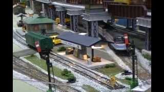 S SCALE MODEL RAILROAD LAYOUT