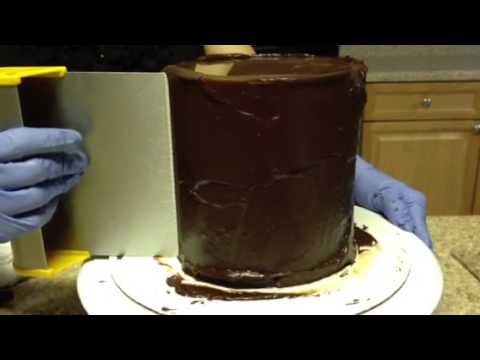 how to put ganache on a cake