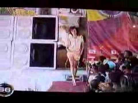 Gisele Guimaraes na TV Francesa M6 18.03.07 video 6 thumbnail