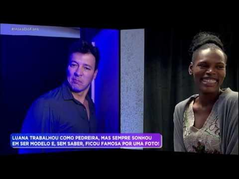 Rodrigo Faro surpreende modelo e surge atrás de foto