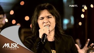 Alex Rudiart Aku Milikmu Dewa 19 Cover Live at Music Everywhere