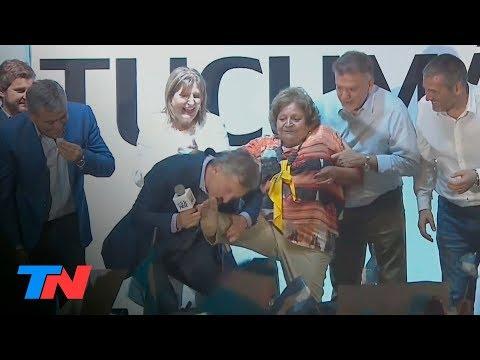 Quién es la Cenicienta a la que Macri le besó los pies en Tucumán