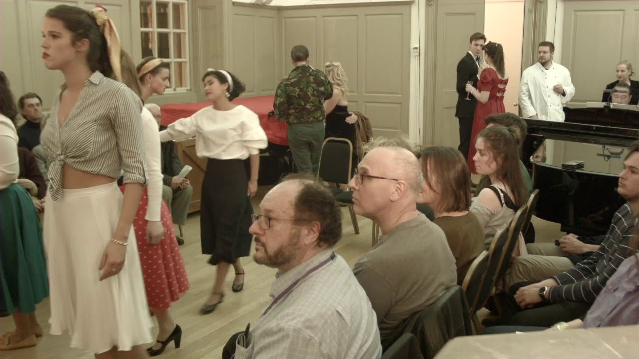 Manon: Act 1, Opening