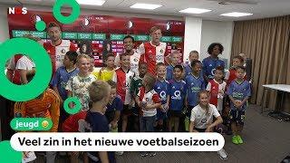 Kinderen ontmoeten Feyenoord-spelers op een drukke fandag