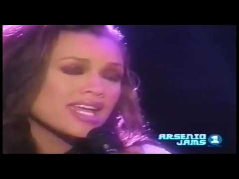 Brian McKnight & Vanessa Williams - Love Is (Live)