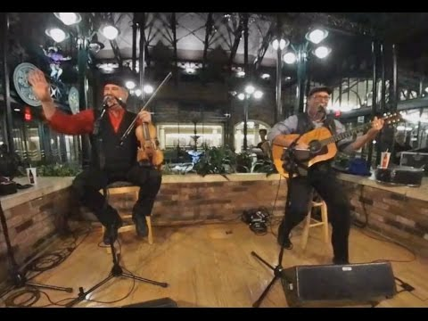 Jason Thomas and Billy Varnes in 360-degrees/4K at Port Orleans French Quarter