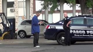 Gangster tries to run away from cop!