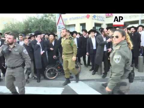 Israel police end protest by ultra-Orthodox Jews Mp3