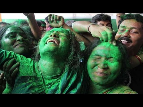 Celebrations Outside Mamata Banerjee's House   West Bengal Elections 2016   Full Video