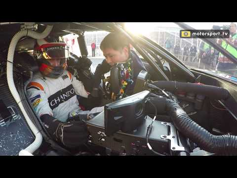 Stoffel Vandoorne stalls the Honda NSX-GT