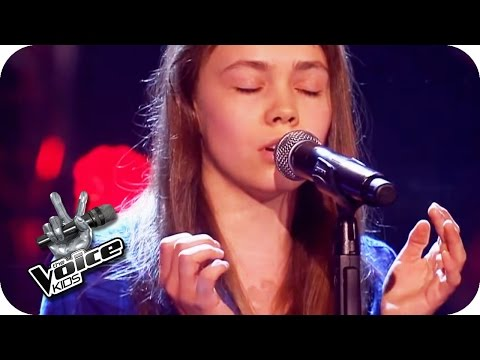 Fall Out Boy  Sugar Were Going Down Lara  The Voice Kids 2016  Blind Auditions  SAT1