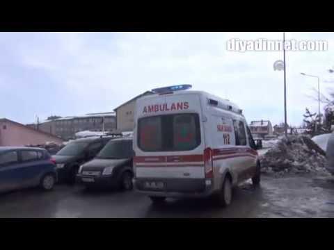 Eleşkirt'te trafik kazası iki otomobil çarpıştı 5 yaralı