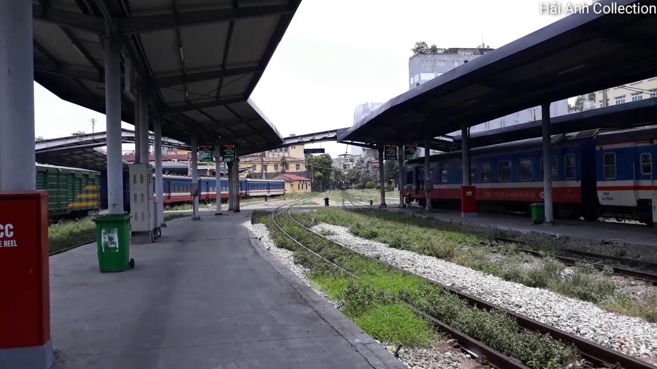 [Tàu hỏa] Xe lửa D12E vào ga Hà Nội