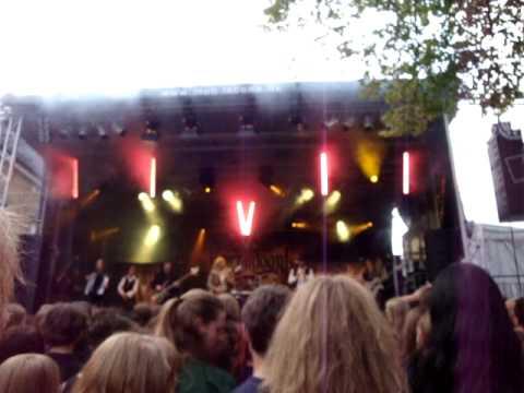 Korpiklaani - With trees - Burgfolk 2009