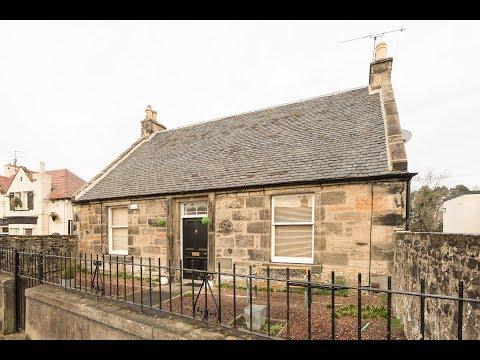 Rose Cottage, 27 Davidson Mains, Edinburgh EH45BZ