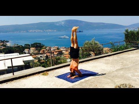 Очень мощное и полезное омолаживающее упражнение. Стойка на голове.