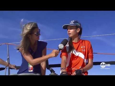Equipe do SBT SC acompanha equipe Itajaí Sailing em um veleiro profissional