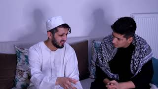 Download Video شاب حاول ضرب ابوه شاهد كيف عاقبه ربه الله عقاب لا يصدق MP3 3GP MP4