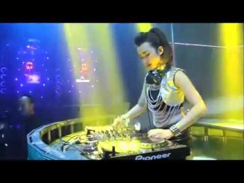 DJ Sakitnya Tuh Disini  Merana ( BINTANG TAMVAN )
