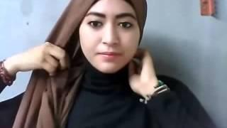 Tutorial Memakai Jilbab Pashmina Simple Untuk Kuliah
