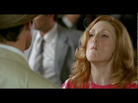 Mira Sorvino >> Por el culo! Julianne Moore in Savage Grace (2007) - YouTube
