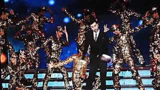 Best dance of Ranbir Kapoor at TOIFA 2013 with Anushka Sharma in Vancouver