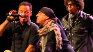 Bruce Springsteen - Sherry Darling - Perth 7 February 2014