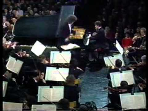 Leeds International Piano Competition 1990, Schumann Concerto, Lars Vogt, CBSO, Simon Rattle