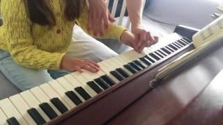 Первые уроки фортепиано для малышей. First piano exercises