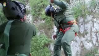 Elicottero dell'Aeronautica Militare salva un uomo caduto in un burrone - AGIPRESS