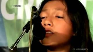 Marsya and Friends [Acoustic Cover Songs] Perahu Kertas at Sriya Cafe Jepara