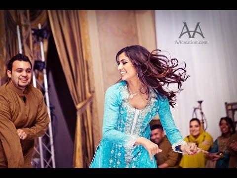 Best Mehndi Couple Dance Performance - Muna & Fahad thumbnail