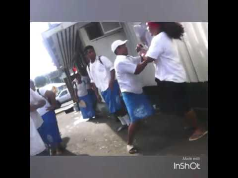 Samoans fight after school