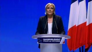 Le Pen propose de rebaptiser le FN