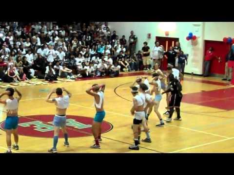 Albert Einstein High School Powderpuff Cheer