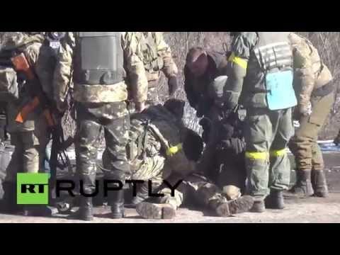 Украинский солдат упал